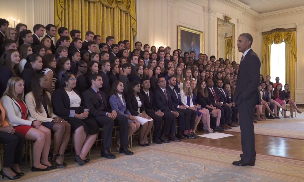 obama-white-house-interns.jpg