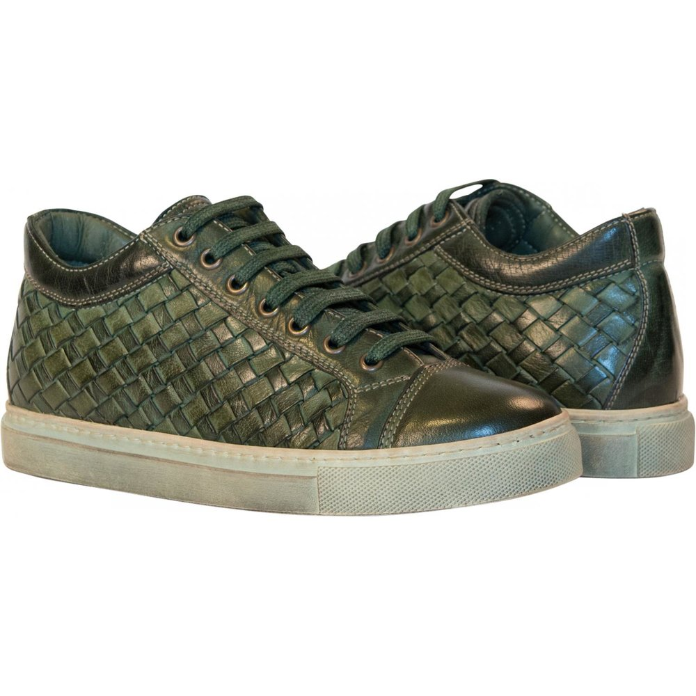 "<h2><a href=""http://www.paoloshoes.com/mens-shoes/kai-dip-dyed-forest-green-woven-low-tops"">Green Woven Leather Sneakers</a></h2>"