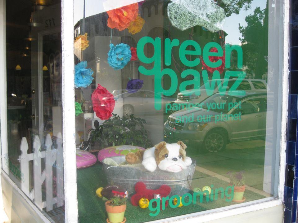 <h2>Green Pawz</h2>