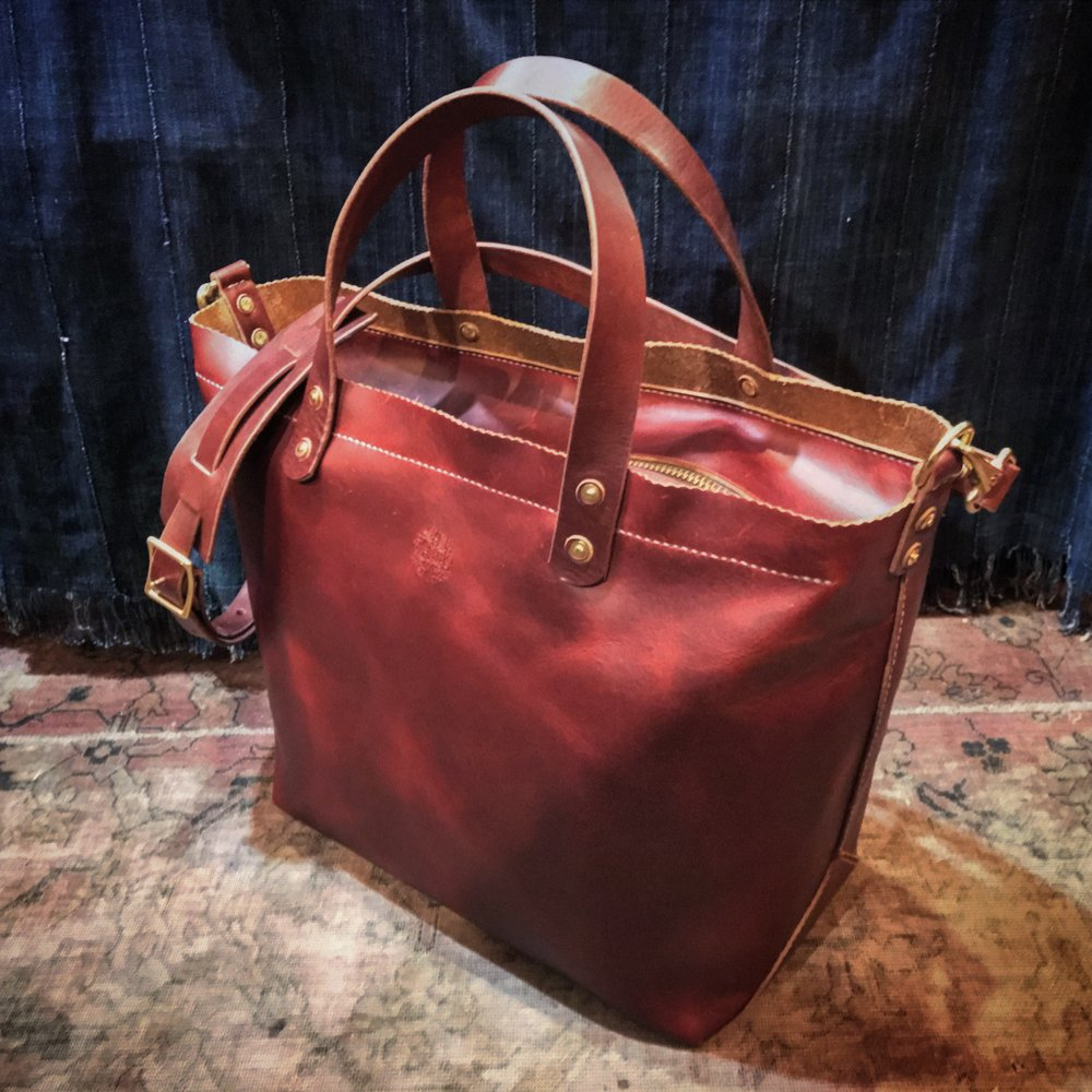One of Faedi's custom leather bags.