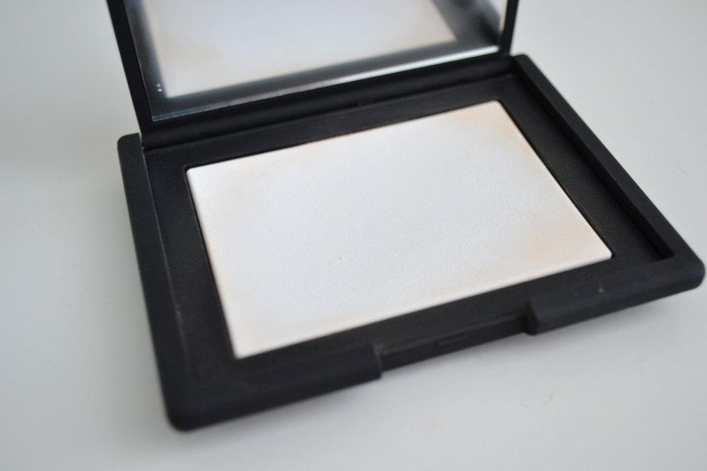 nars translucent setting powder open