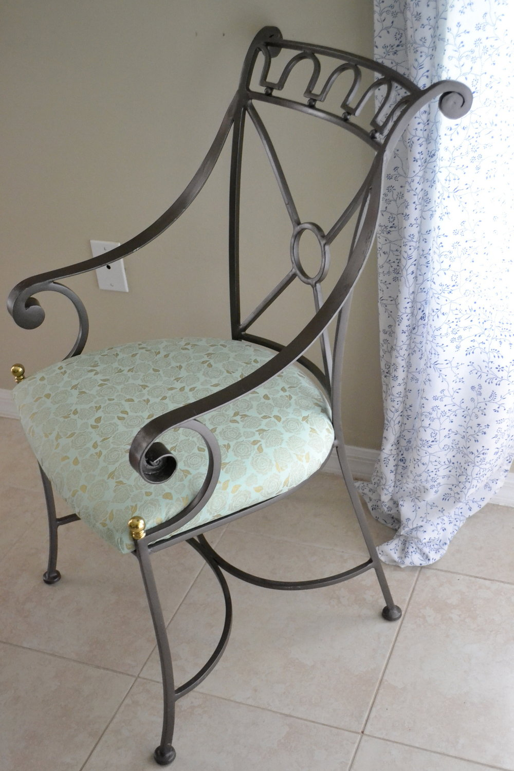 chair after side view