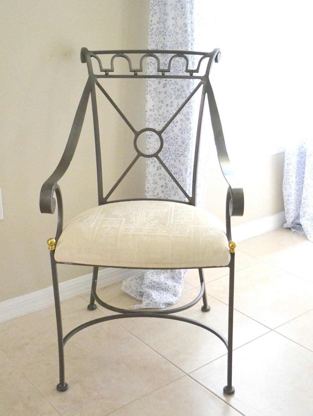 chair before-001