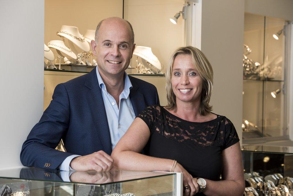 Juwelier Punte - Juwelier-Goudsmid Punte is al sinds 1930 een familiebedrijf waar u een juwelier en Goudsmid onder één dak vindt. Wij helpen u graag bij het uitzoeken van een waardevol cadeau voor een speciaal persoon in uw leven. Altijd verzorgd tot in de puntjes!www.juwelierpunte.nl