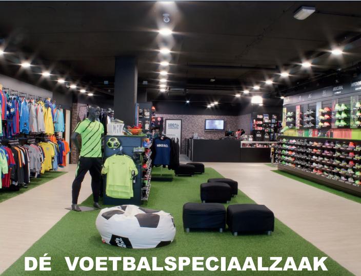 100% voetbal  100% Voetbal Arnhem is zoals de naam al doet vermoeden de speciaalzaak op gebied van voetbal. Tevens staat100% Voetbal Arnhem bekend om zijn bedrukking shop waar zij uw textiel kunnen voorzien van namen,nummers,teksten en logo's.   www.100voetbal.nl