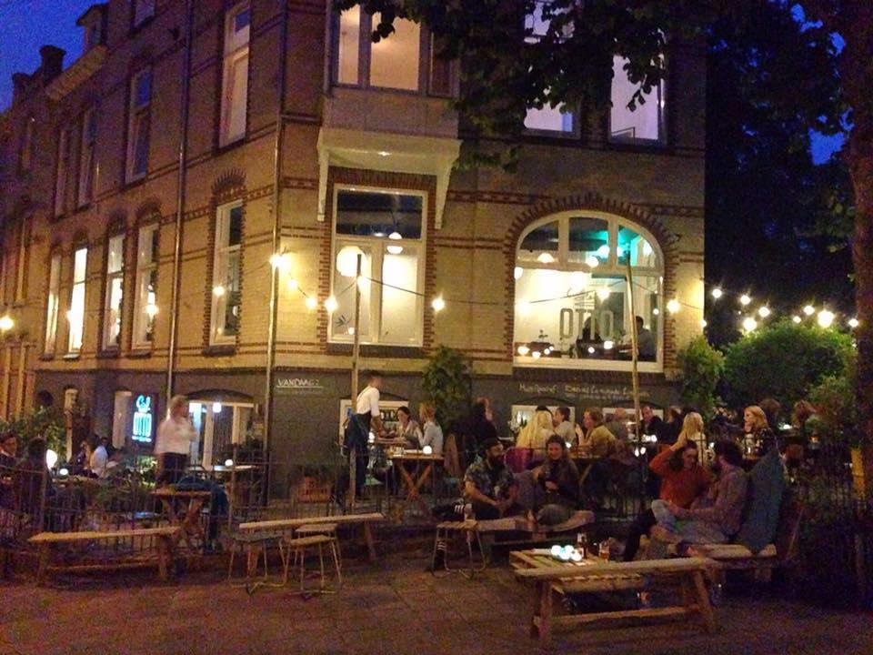 Graaf Otto - Bij Graaf Otto ben je op het juiste adres voor een perfecte koffie met een ruime keuze patisserie, een gezellige borrel, lunch of diner in een ongedwongen gezellige sfeer. Zij zijn gevestigd aan het Graaf Ottoplein in de centraal gelegen wijk Sint Marten/Sonsbeek in Arnhem.www.graaf-otto.nl