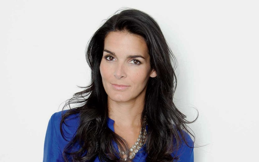 Angie Harmon - Actress