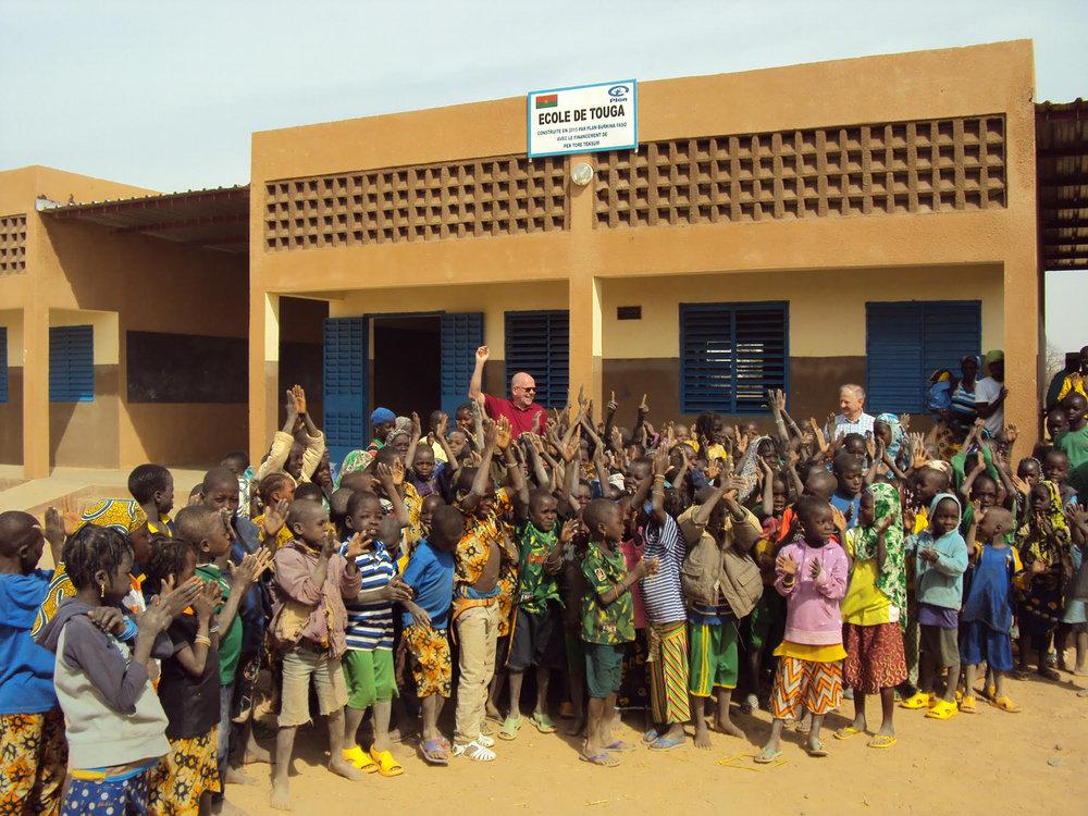 Åpning av ny skole i byen Touga 2015