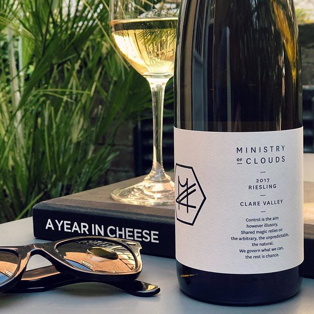 The sun is shining, the weather is sweet... For me, sun is best enjoyed in the shade, with a bottle of something nice, a good book, and some decent company. My weapons of choice today consist of the @androuetlondon mouthwatering seasonal cheese cookbook, and a bottle of @ministryofcloudswines Clare Valley Riesling. Both are going down a treat. All I'm missing are some freshly shucked oysters and perhaps a pack of smokes #ministryofclouds #clarevalley #riesling #cheese #androuet #oysters