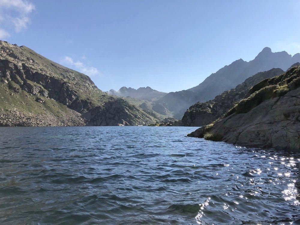 Lago de Juclar - TravelHolics