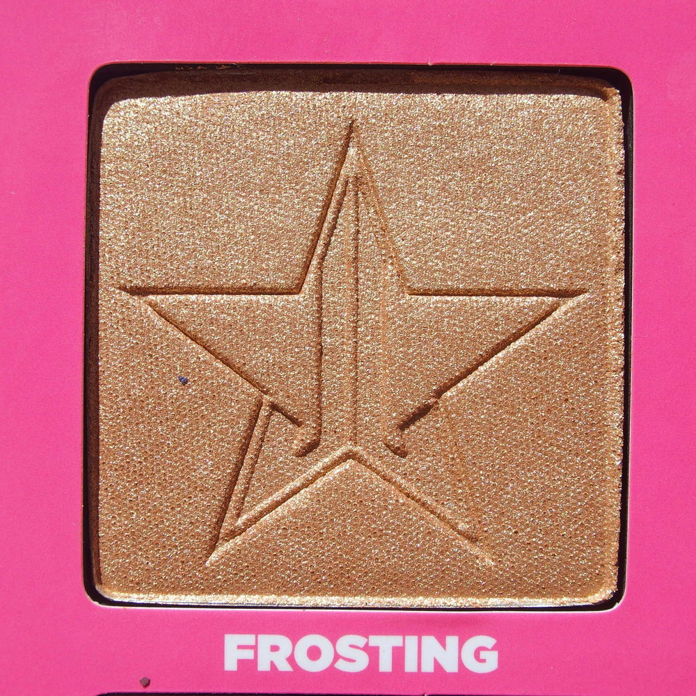 Close up of Frosting from the Jeffree Star Androgyny Palette