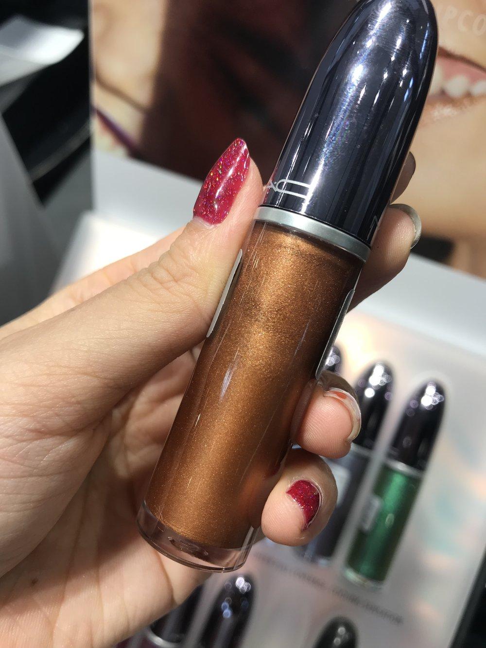 Mac Grand Illusion lipstick Gilded Age