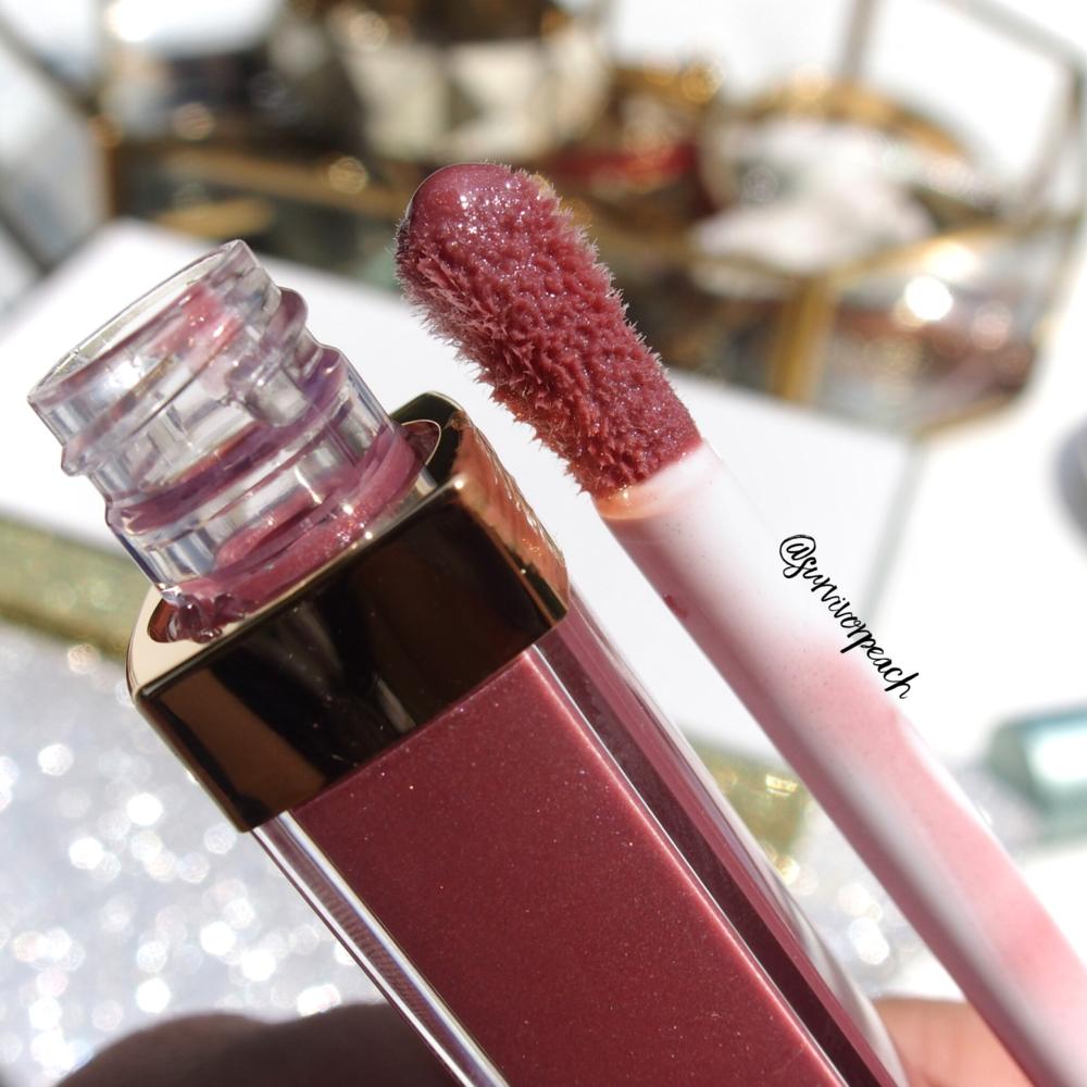 Closeup of Chanel Coco Gloss No.119