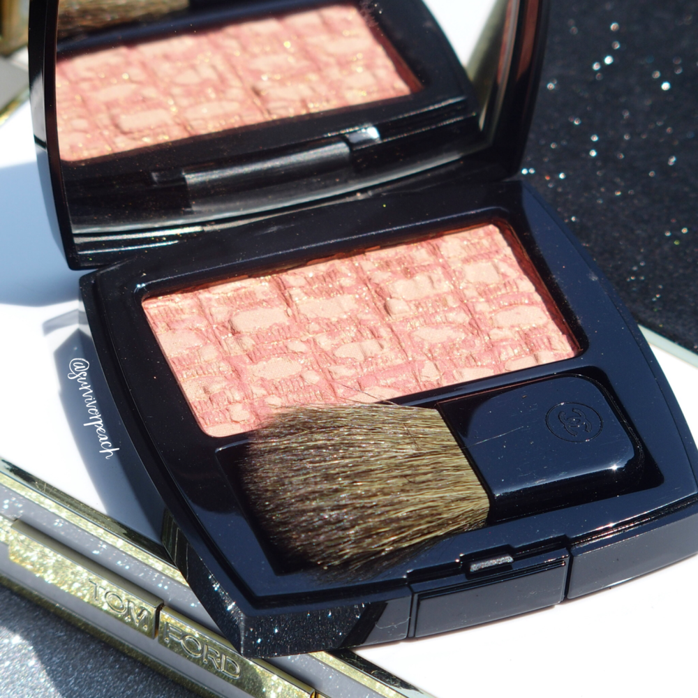 Chanel Blush Duo Tweed Effect in shade 10 Tweed Coral