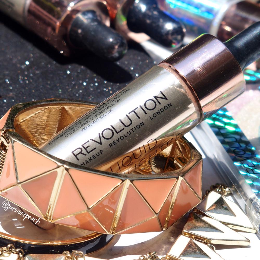 Revolution London Liquid highlighter - Liquid Champagne