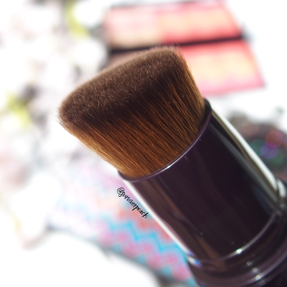 Byterry Light Expert Click Brush Liquid Foundation