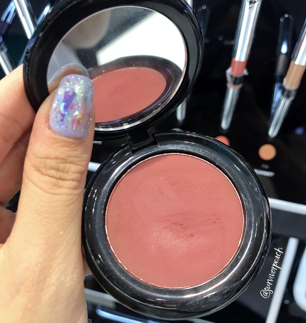 Marc Jacobs Beauty O!Mega Gel Powder Eyeshadow in O! Mercy