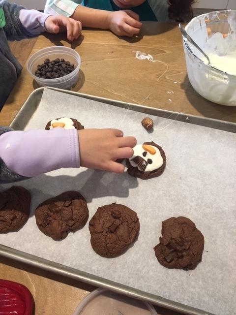 Snowman cookies aRCIC .JPG