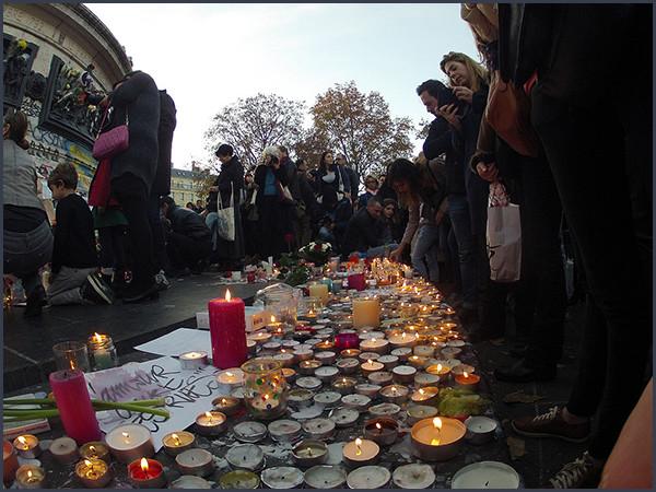 Rassemblement Place de la République suite aux attentats du 13 Novembre