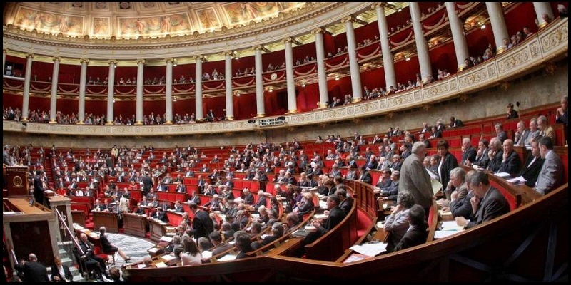 Assemblée nationale - long.jpg