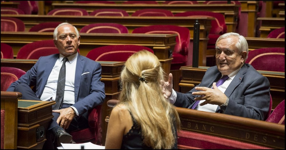 François Patriat et Jean-Pierre Raffarin dans l'Hémicycle du Sénat (Photo : Claire-Lise Havet)