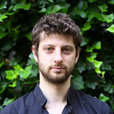 Antoine Buéno (promo 01) - Chroniqueur, écrivain, essayiste