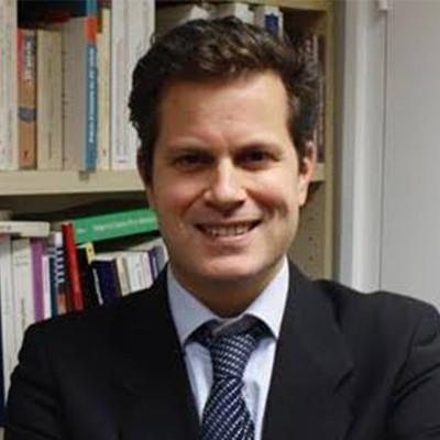 David Colon (promo 95) - Professeur agrégé d'histoirePrésident du groupe Éducation et Recherche de Sciences Po alumni