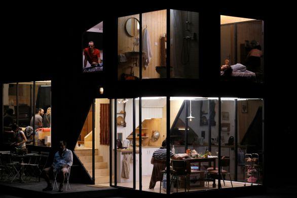 Décor des  Trois Soeurs  au théâtre de l'Odéon   Photo Thierry Depagne