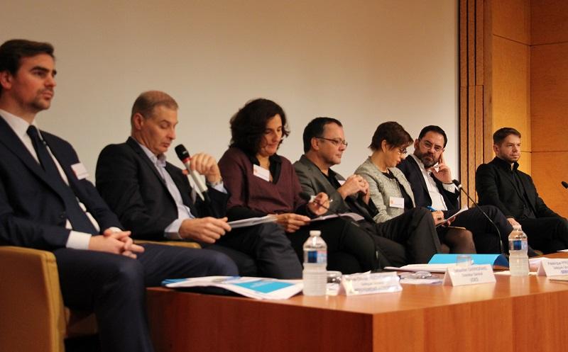 De gauche à droite : Pierre-Olivier Ruchenstein, Sébastien Darrigrand, Frédérique Pfrunder, Olivier Jay, Françoise Fagois, Jérôme Saddier, Jérôme Bouron (crédit : CB/Émile magazine)