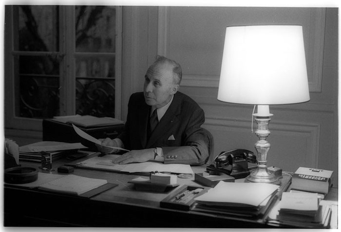 Jacques Chapsal dans son bureau (Photo: Daniel Legendre)