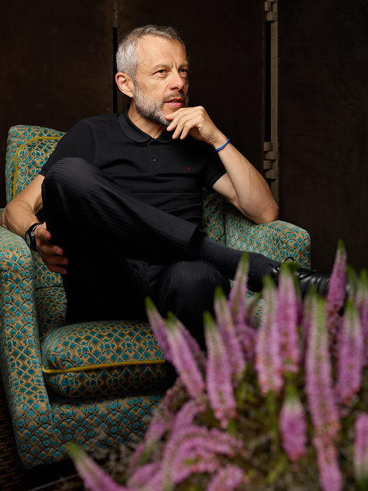 Pierre Mathiot interviewé par  Émile  (crédit : Manuel Braun)   Interview réalisée à l'hôtel  Le Saint