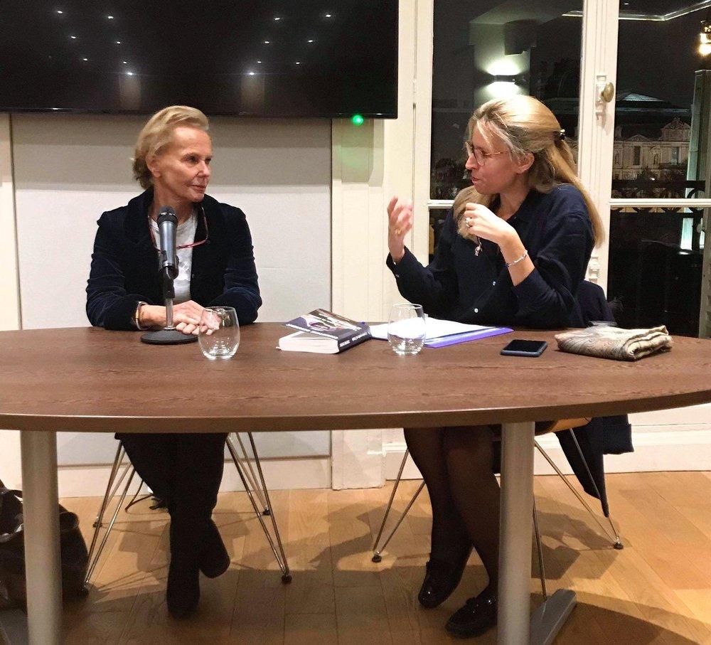 Christine Ockrent et Anne-Sophie Beauvais à la conférence d'actualité d' Émile .