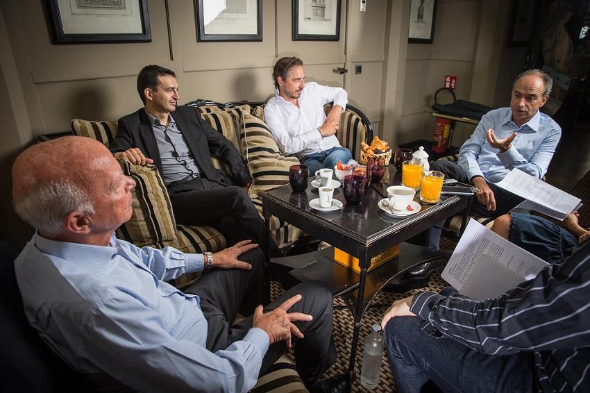 Thierry Saussez, Emmanuel Rivière, Jérôme de Verdière et Jean-François Copé débattent. Crédits photo : Vincent Capman