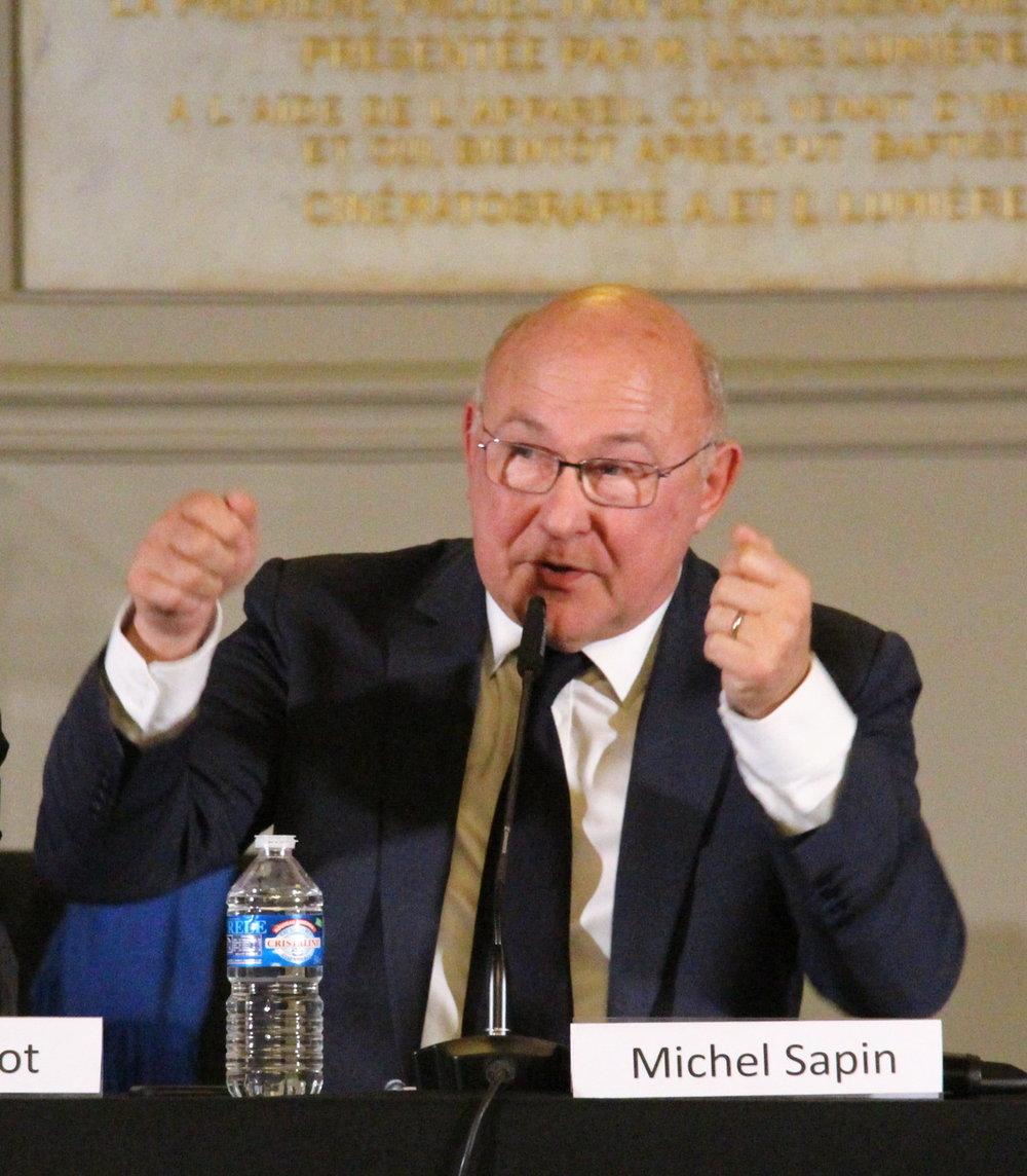 « Tout le monde n'est pas un lanceur d'alerte : il ne suffit pas de se déclarer pour l'être » - — Michel Sapin