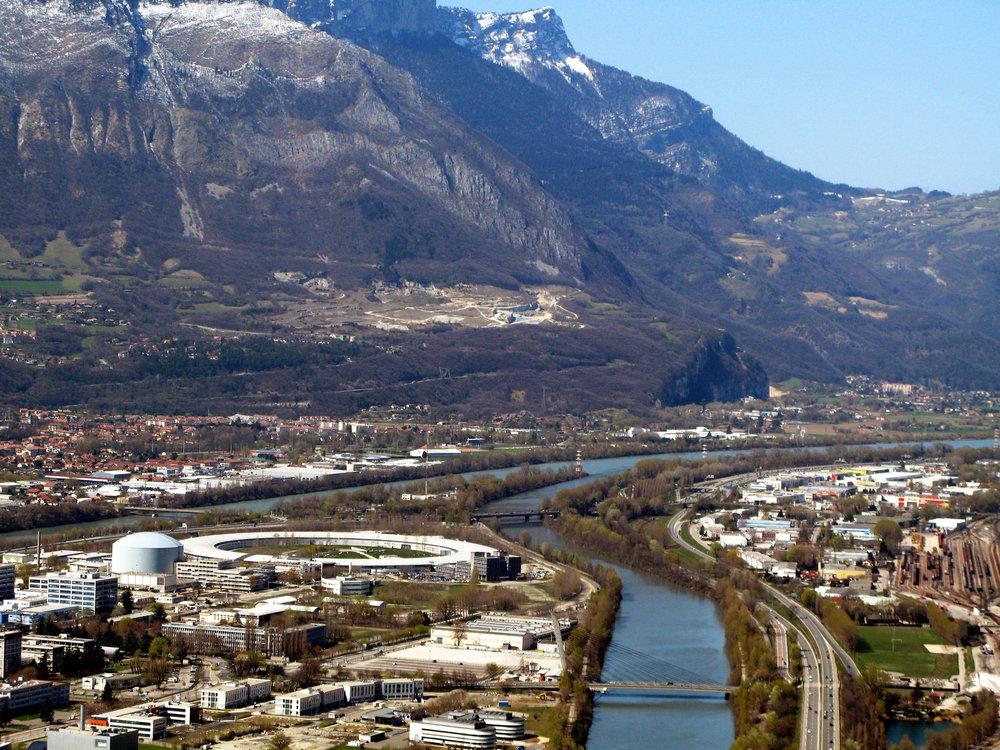 Synchrotron de Grenoble © Rama