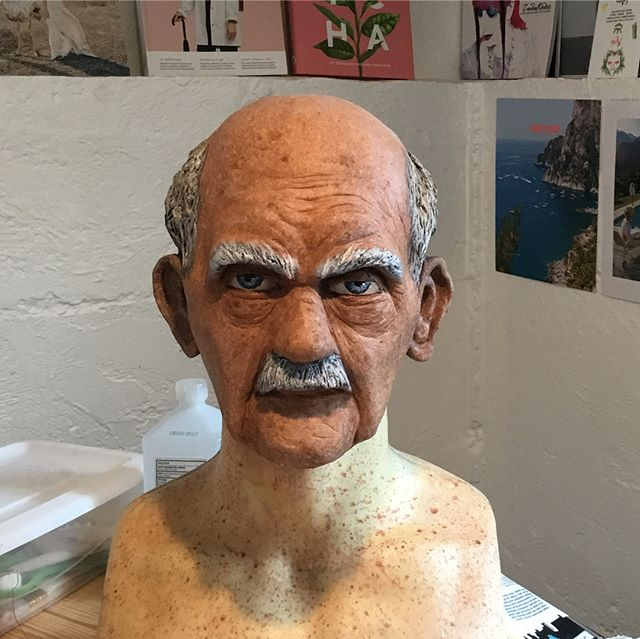 Continuing on my new sculpting adventure with a blitz Saturday sculpt and paint project! THE CLASSIC OLD MAN👴🏻 it's always an adventure to see how my brain designs a character...looks like my old man character is a hybrid of Stan Lee and some Disney character I can't seem to put my finger on 😂