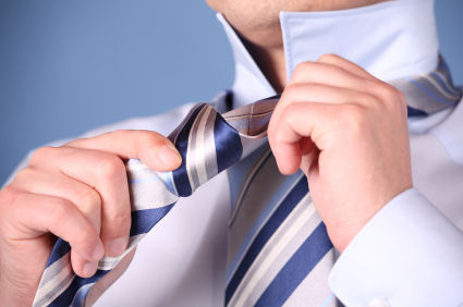 man-tie-a-tie