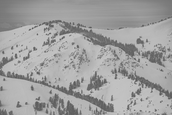 6 - FULL MOUNTAIN PEAKS