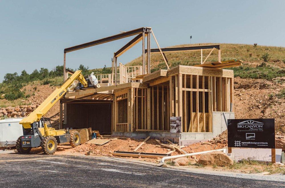 Upwall Design Architects & Big Canyon Homes / Photo: Paul Bundy