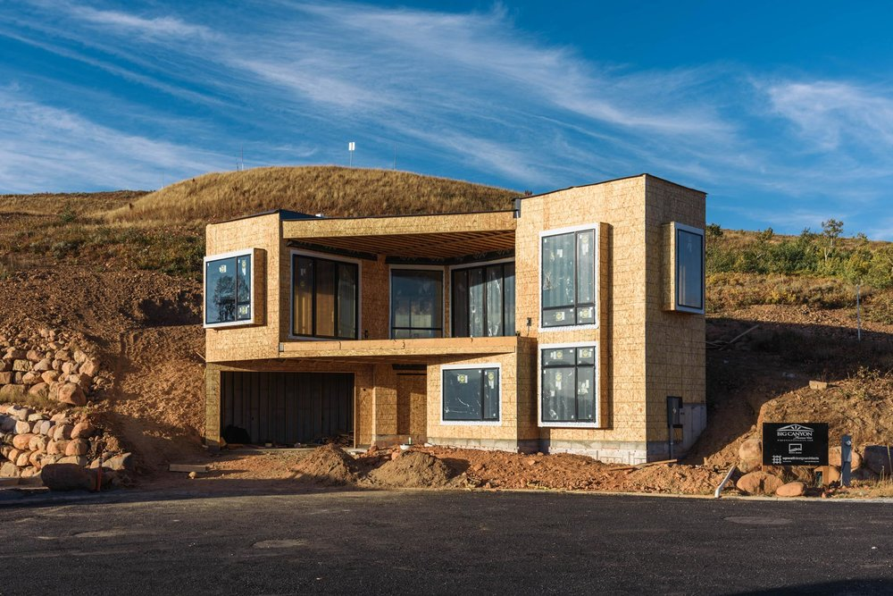 Upwall Design Architects & Big Canyon Homes / Photo: Paul Bundy