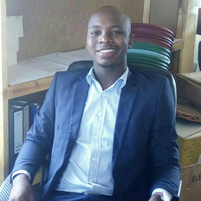 Lweendo Maanya, Head of Operations Katete   Lweendo joined Impact Network in September 2017 from the University of Zambia, where he received a BA in Education. He started as Operations Manager in Petauke North and was promoted to Head of Operations for Katete East and West in 2018. With the help of Operations Manager, Noah, he has responsibility for 14 Community and Government schools over an area stretching 100kms.