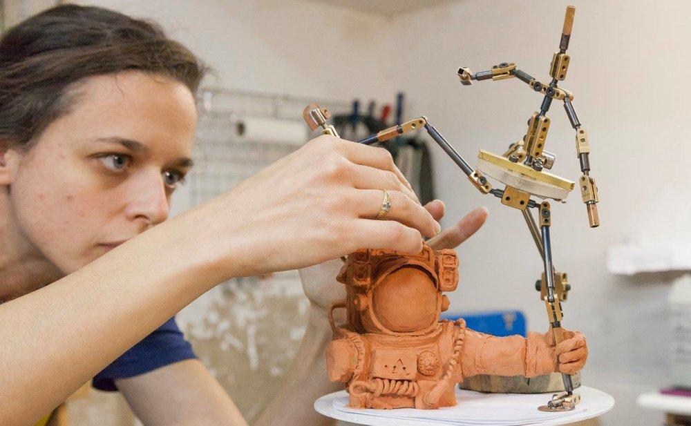 Usinage d'armature acier/laiton/Plexiglas  Sculpture character design