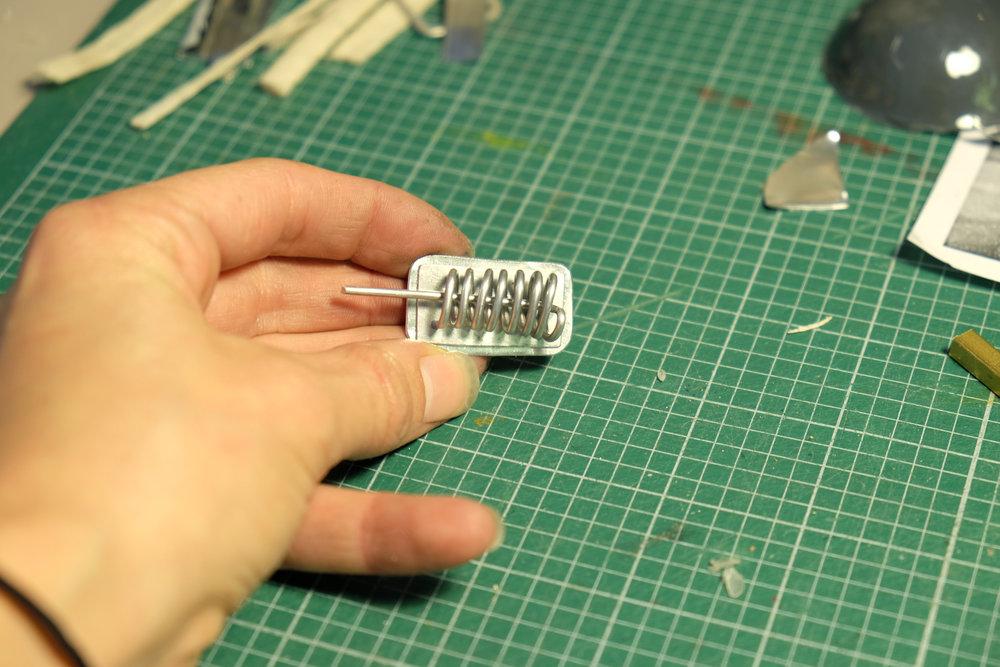 Conception de marionnette  Conception des accessoires et des habits  Tissus / acier / aluminium / thermoformage