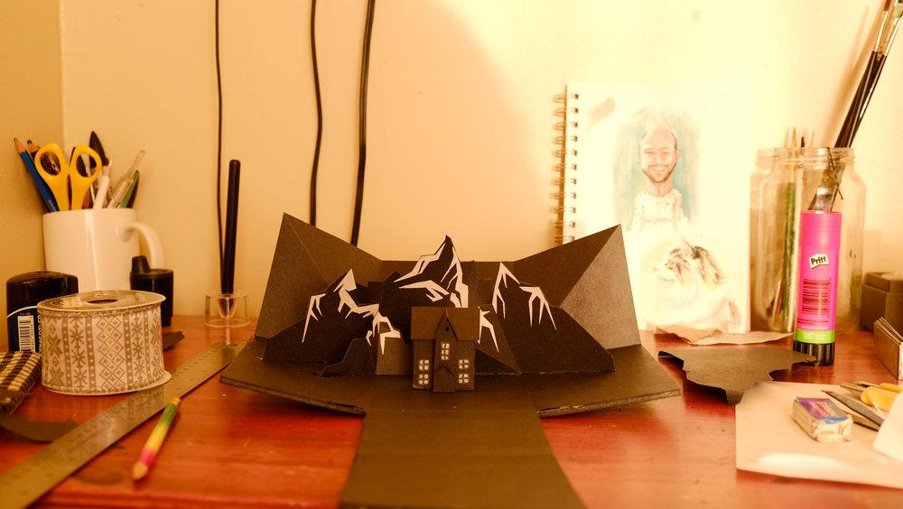 """Design d'un """"Pop up"""" (décor articulé avec une armature en aluminium)  Élément de décor pour spot de Noël"""
