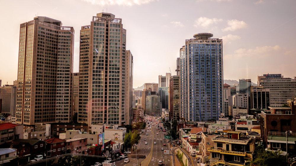Seoul skyline. || Emile-Victor Portenart, Unsplash