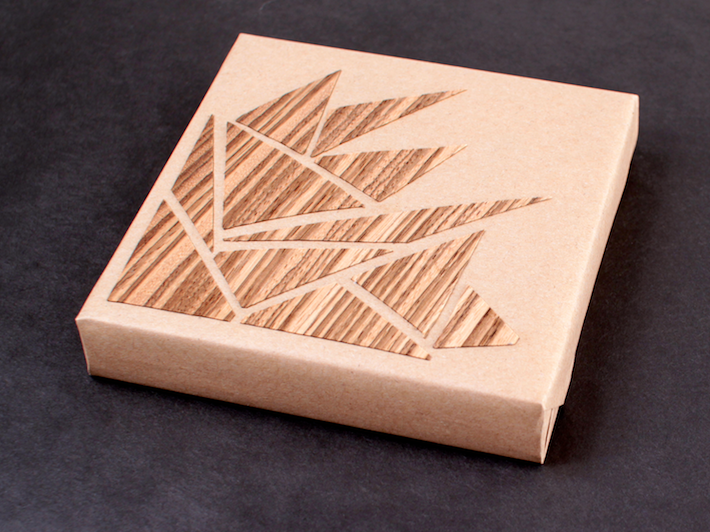 woodveneergiftdecoration.png