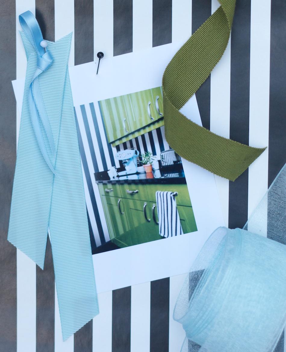 bluegreenblackwhite-001.jpg