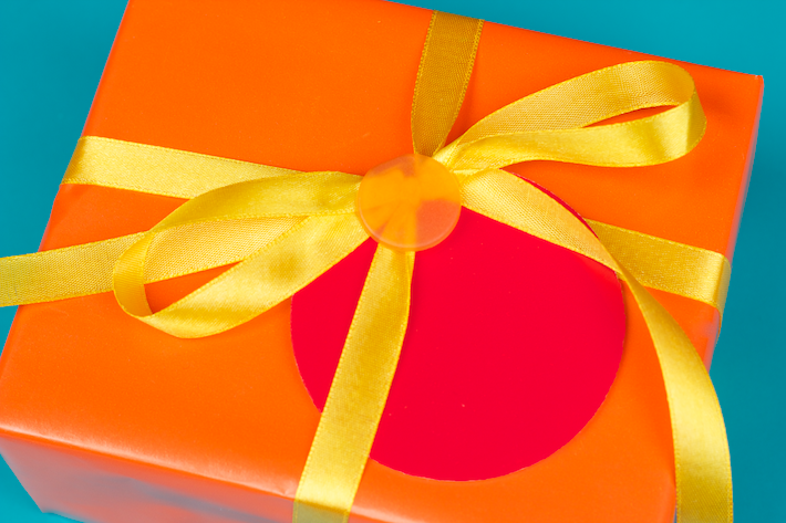 Analogous Colour Gift Wrapping