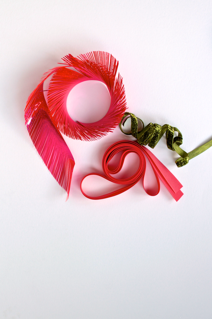 pink-green-ribbons.png