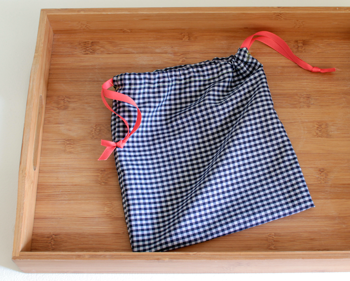 gingham-loaf-sack.png